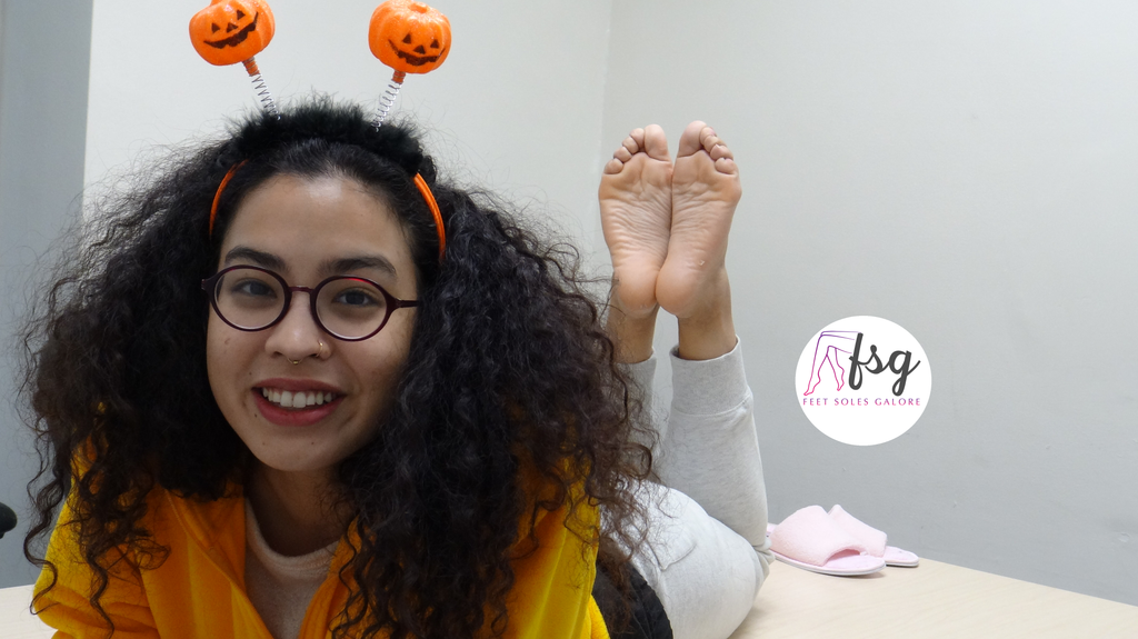 Asian-American Zoey's Candid College Asian American Feet Toes & Soles Photoset (45 pics)