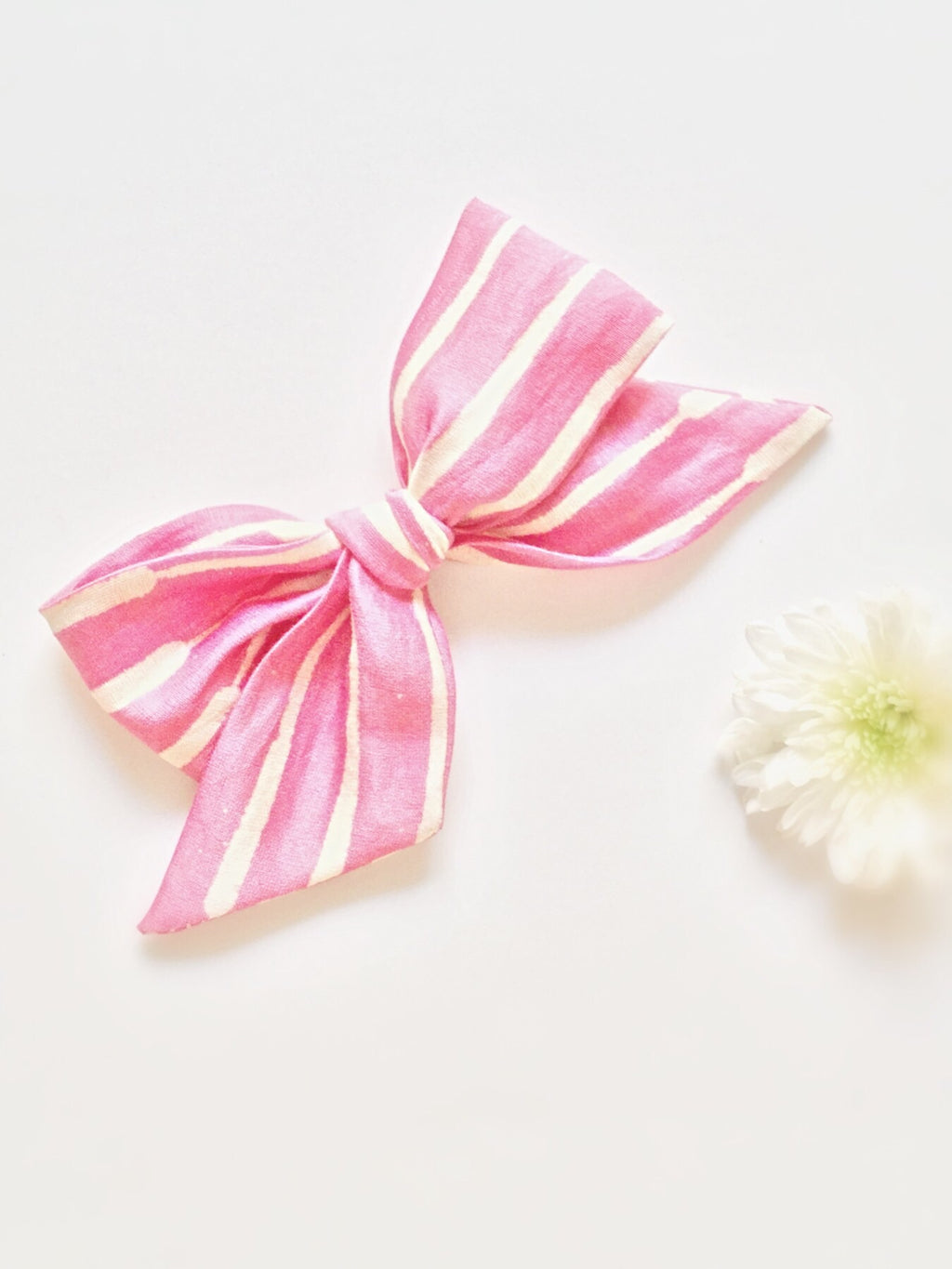 Raspberry | Hand-tied Bow