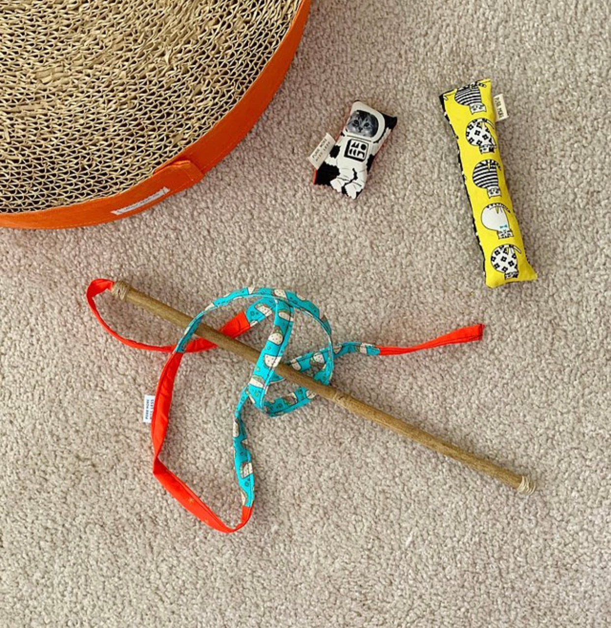 Mewdle . Handmade Cat Toy . Assorted Colors