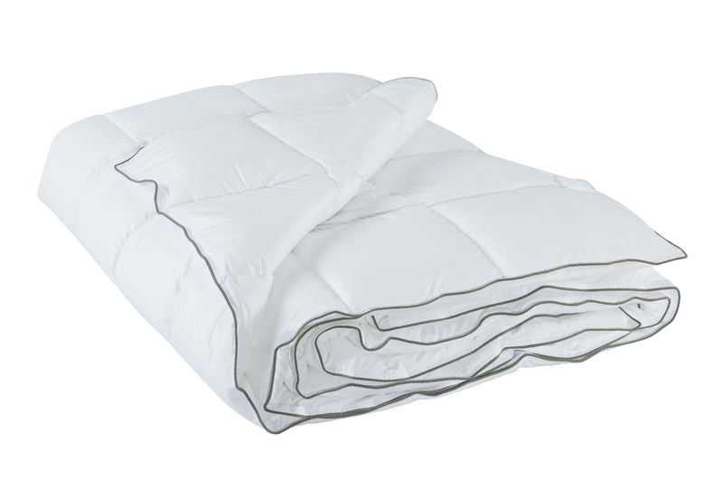 "Comfitude Weighted 25 LB Full/Queen Comforter 90"" X 90"""