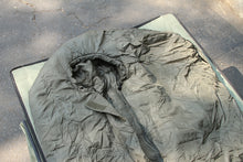 Load image into Gallery viewer, Dutch Light-Weight Sleeping Bag