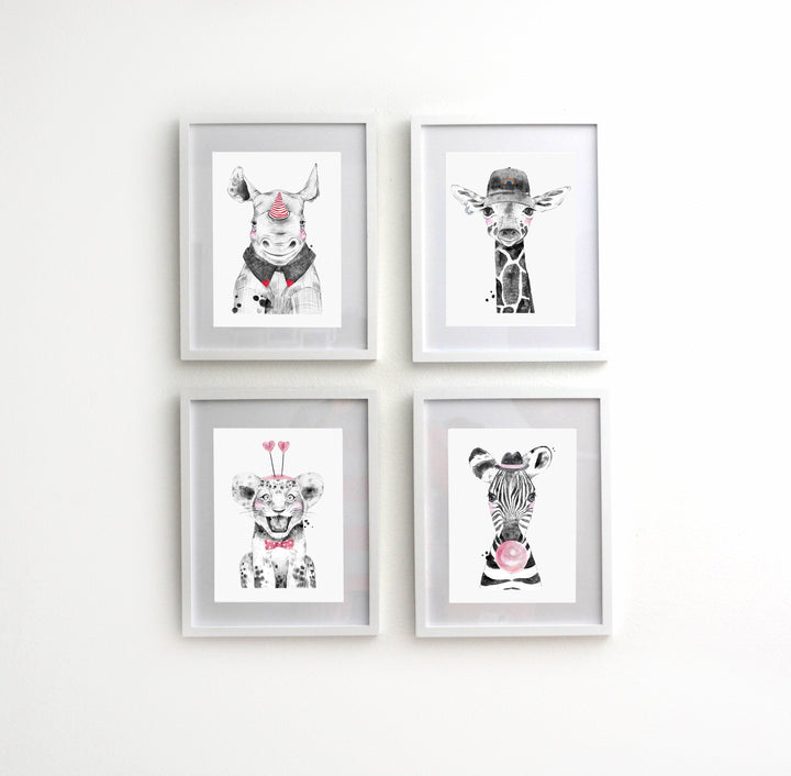 4 PIECE FRAMED ANIMAL NURSERY DECOR