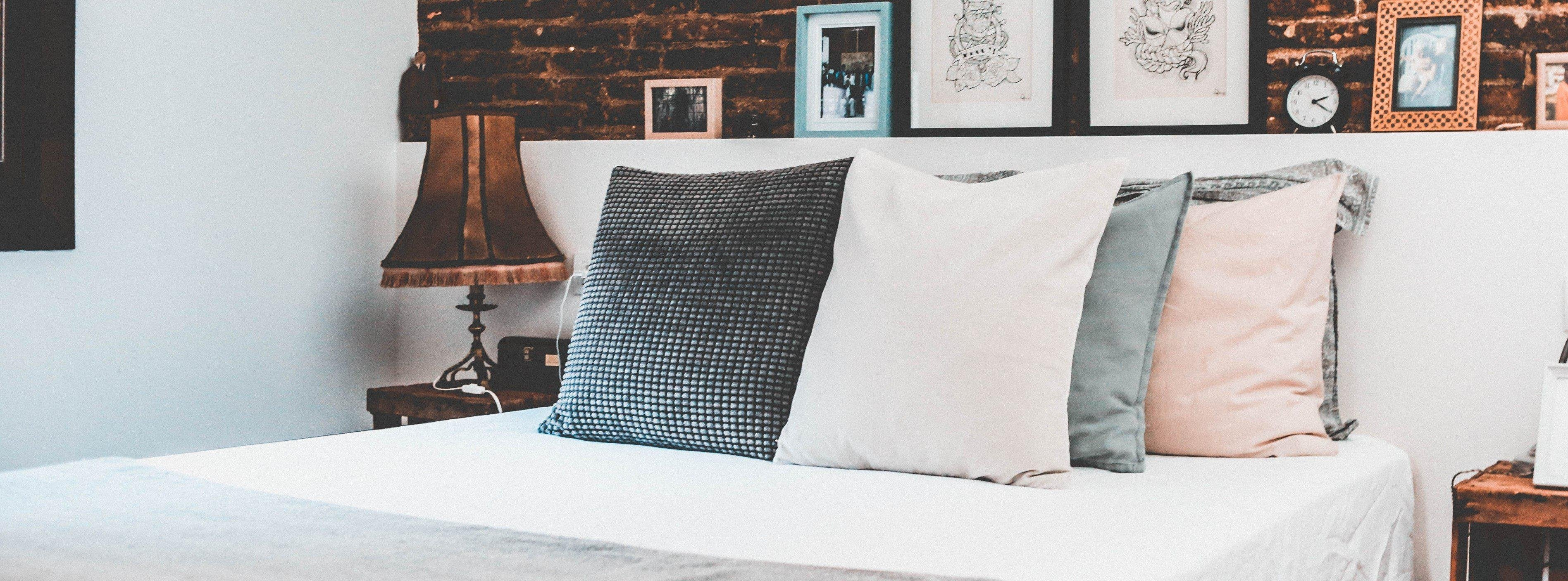 4 Types of Cushion Styling Options for Your Home - Cushion it!