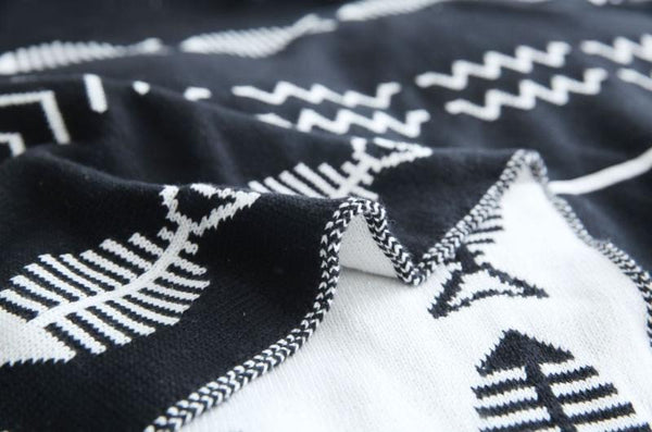 Double Side jacquard Fish Pattern Throw Black-Heart N' Soul Home-black-130*180cm-Heart N' Soul Home