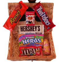 Load image into Gallery viewer, American Candy Hamper
