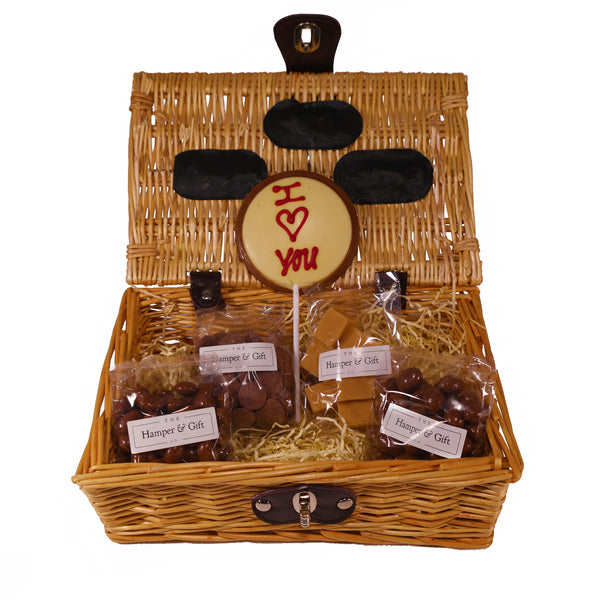 'I Love You' Chocolate & Fudge Hamper