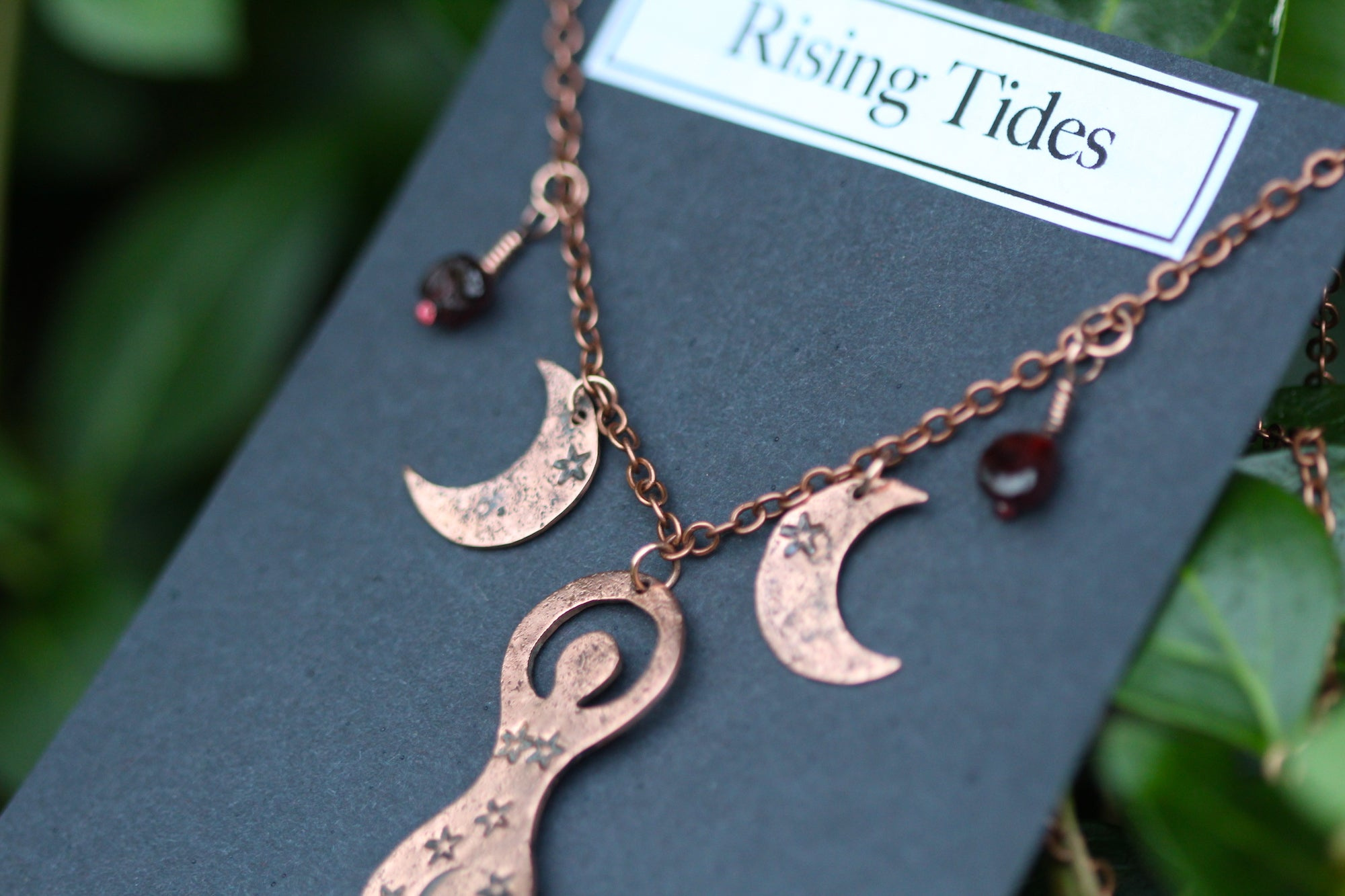 BLOOD MOON GODDESS Handmade Copper Necklace with Garnet