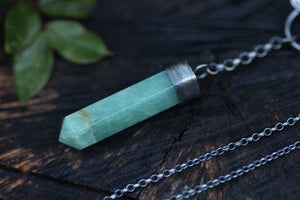 FOREST FLOOR Pendulum Necklace with Green Aventurine