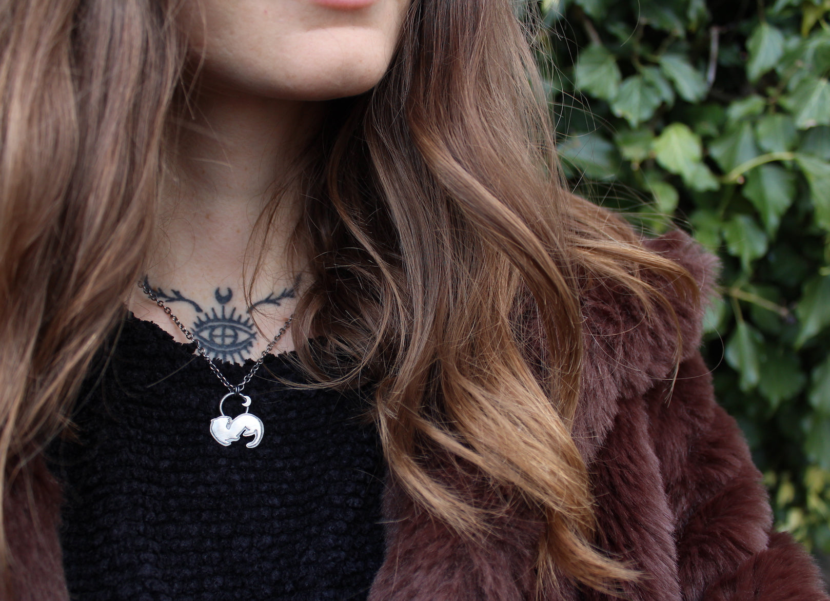 WILD FEMININE Sterling Silver Otter Necklace