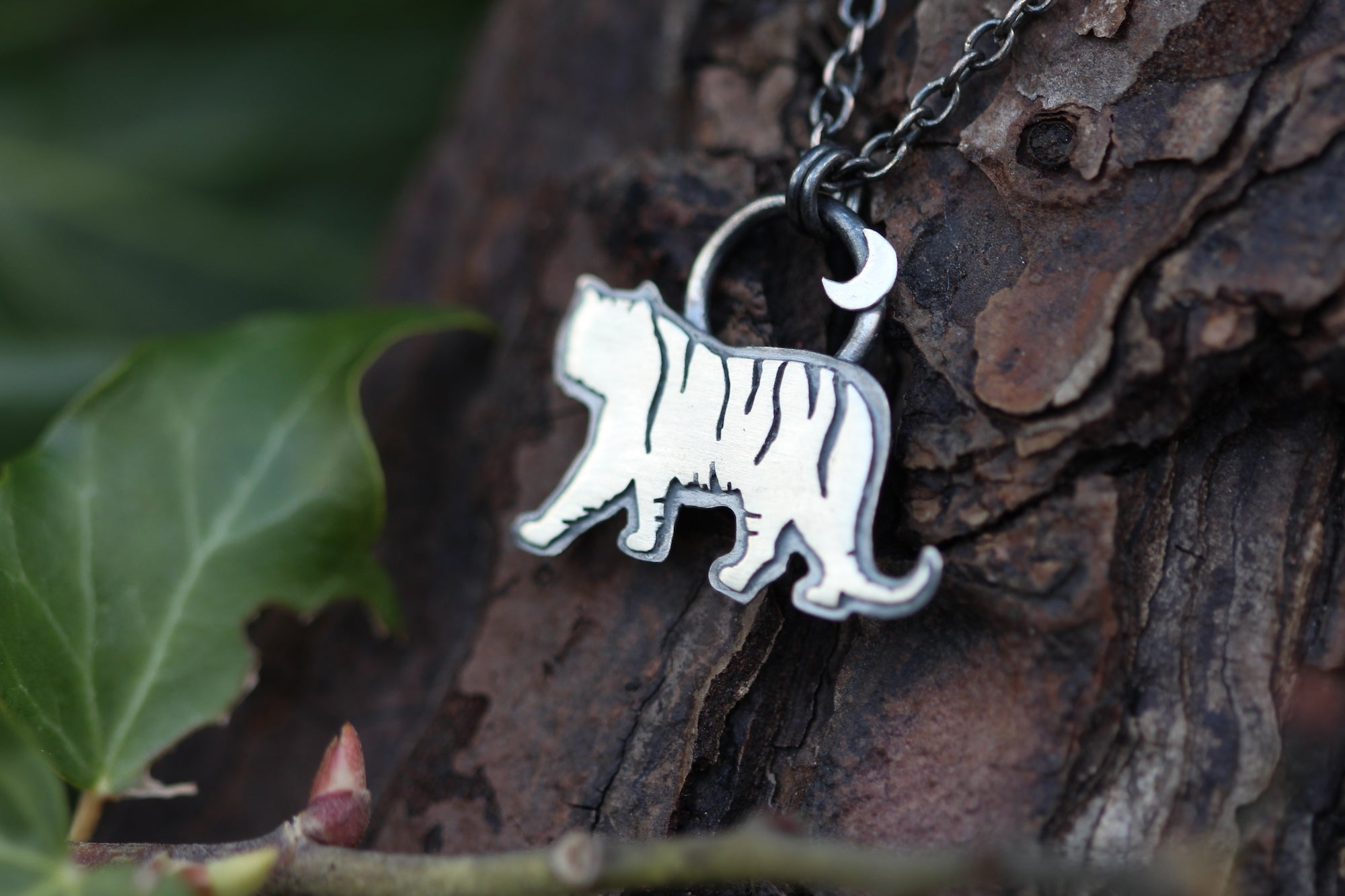 WILD FEMININE Sterling Silver Tiger Necklace