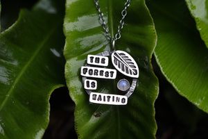 THE FOREST IS WAITING Sterling Silver Necklace with Rainbow Moonstone