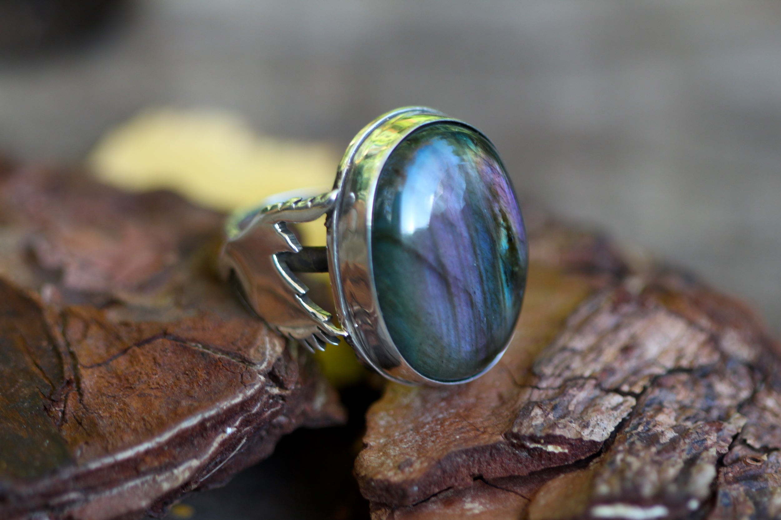 NATURES ALTAR Handmade Sterling Silver Ring with Purple Labradorite - Size N / 6.5
