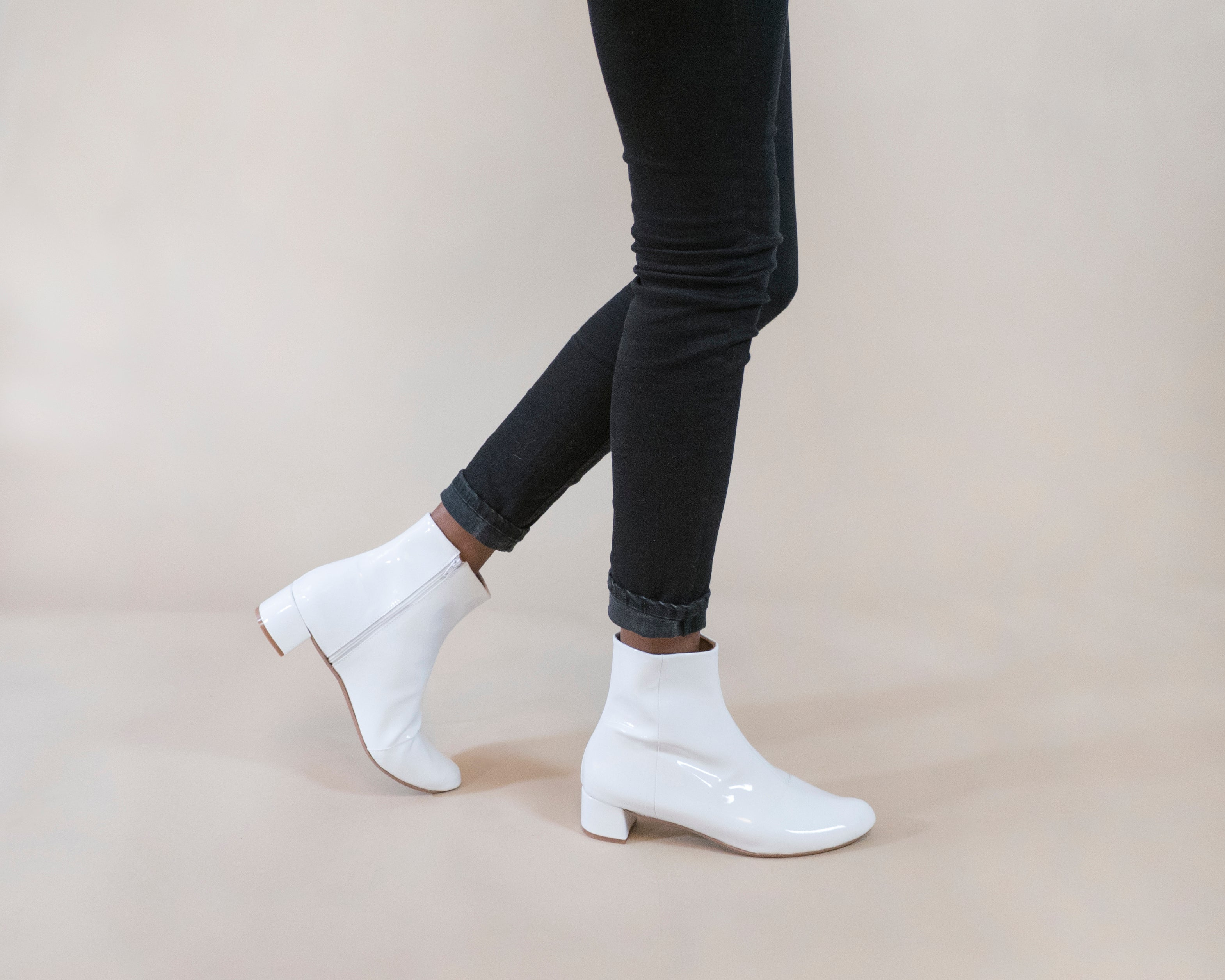 PRE-ORDER Lizzy [Low Heel Boot] White