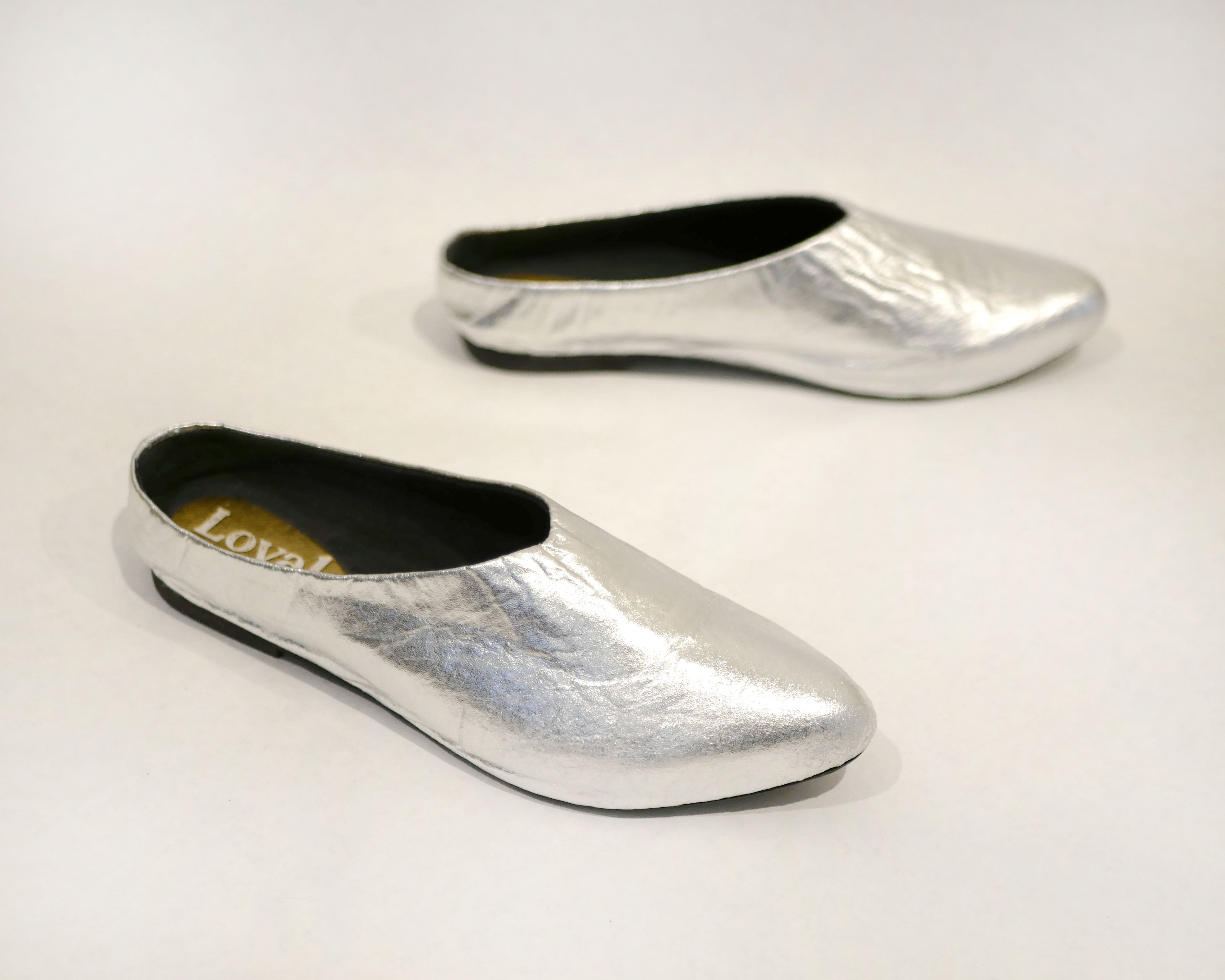 SALE Willow [Sabot Mule] Silver Piñatex