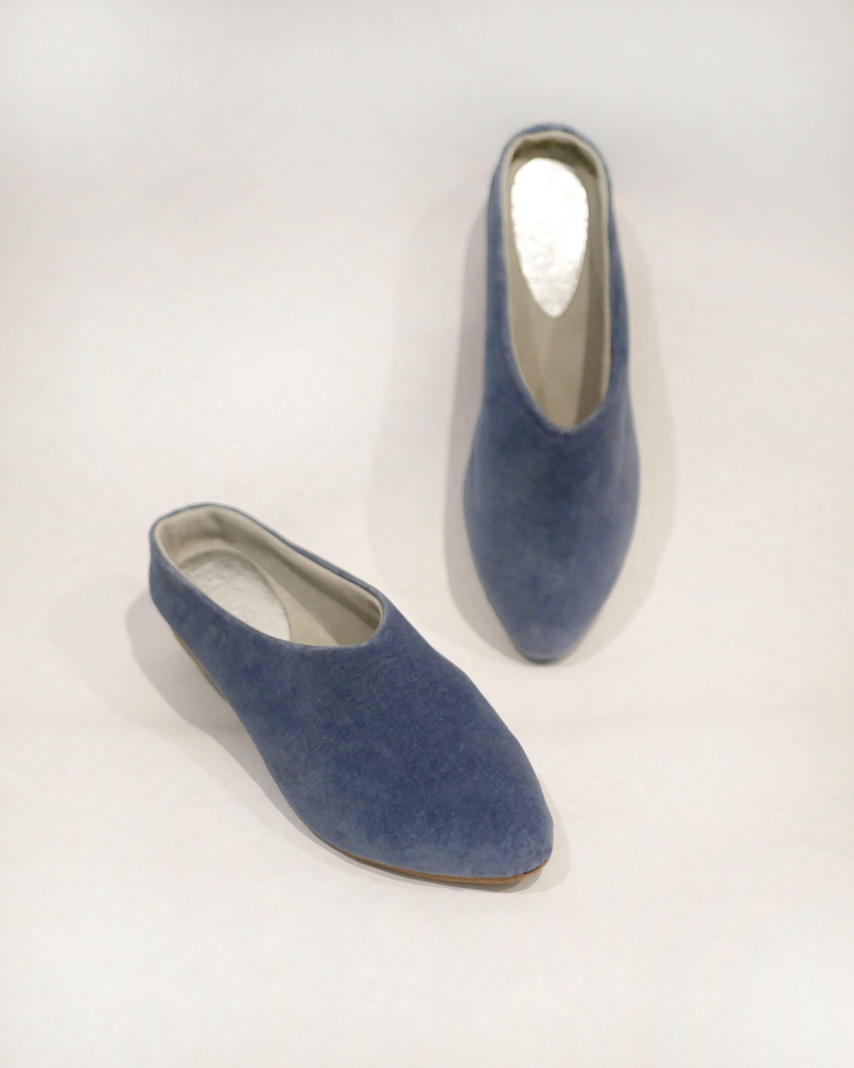SALE Willow [Sabot Mule] Blue Velvet
