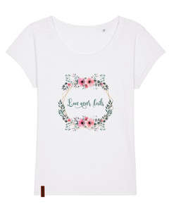 "Frauen T-Shirt ""Love never fails"""