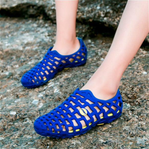 Unisex Breathable Hollow Out Pure Color Flat Casual Beach Sandals