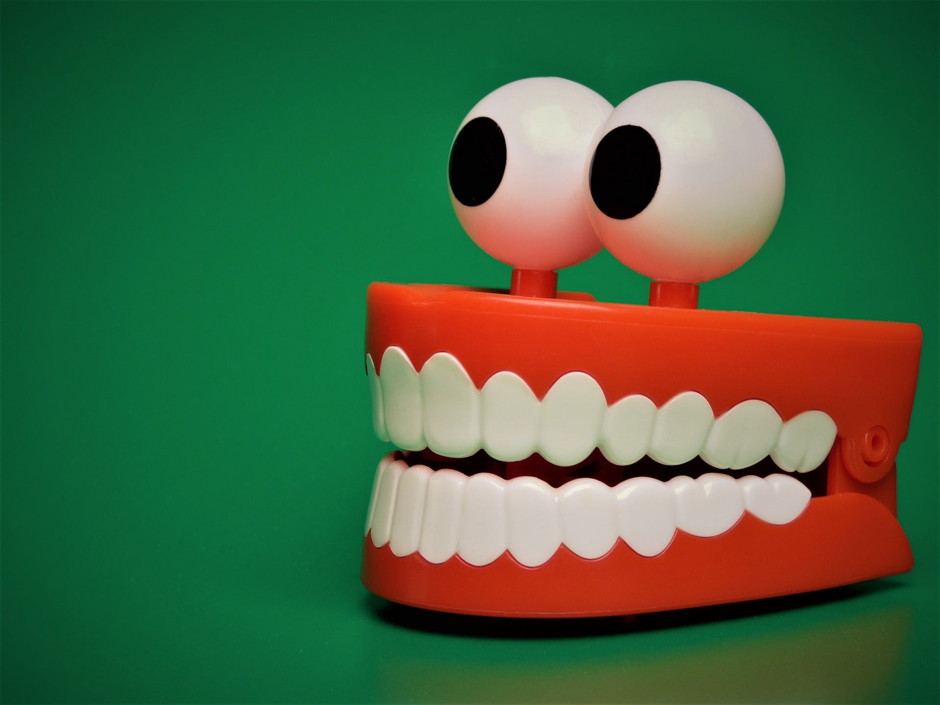 Toy teeth with eyes, for AutoBrush