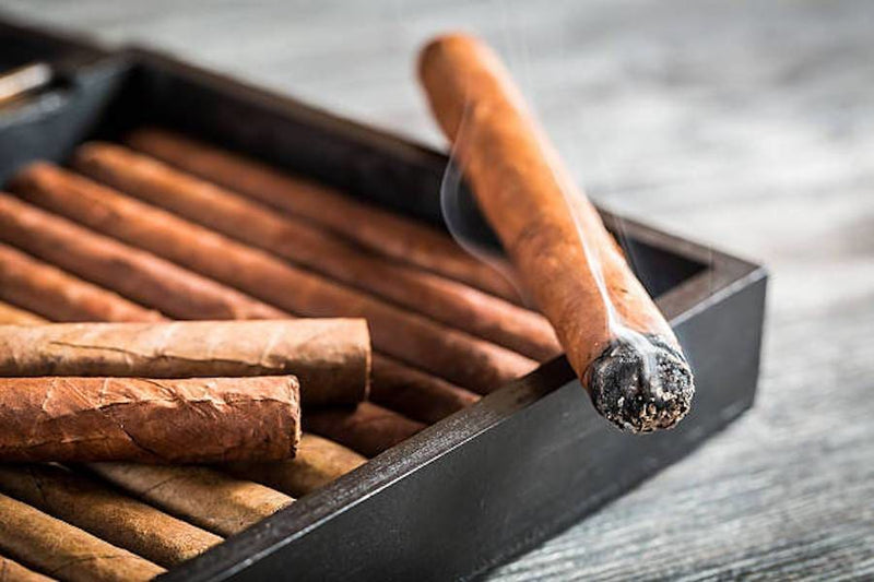 10 Tips For Smoking Cigars Like A Pro