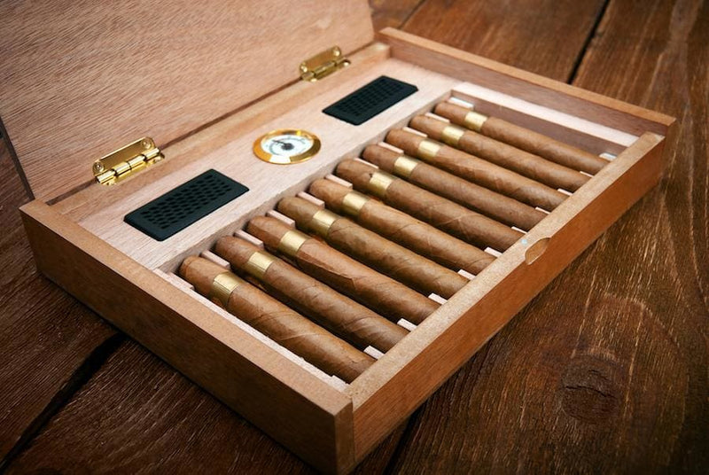 5 Tips for Choosing the Right Cigar Humidor