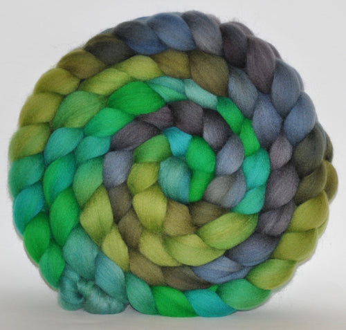 21.1 Micron Hogget  Haunui NZ Halfbred  Roving Hand Dyed  5.28 ounces - Green Thumb  Combed Top