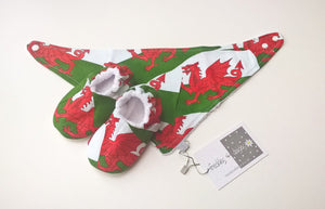 Wales Flag Baby Gift Set, Bib and Shoes set