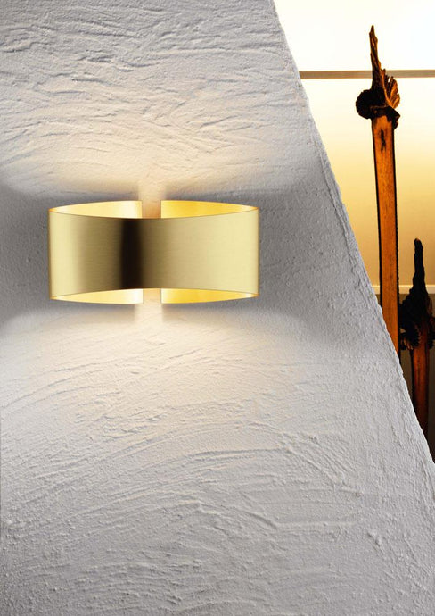 Voilà Wall Sconce in Brushed Brass