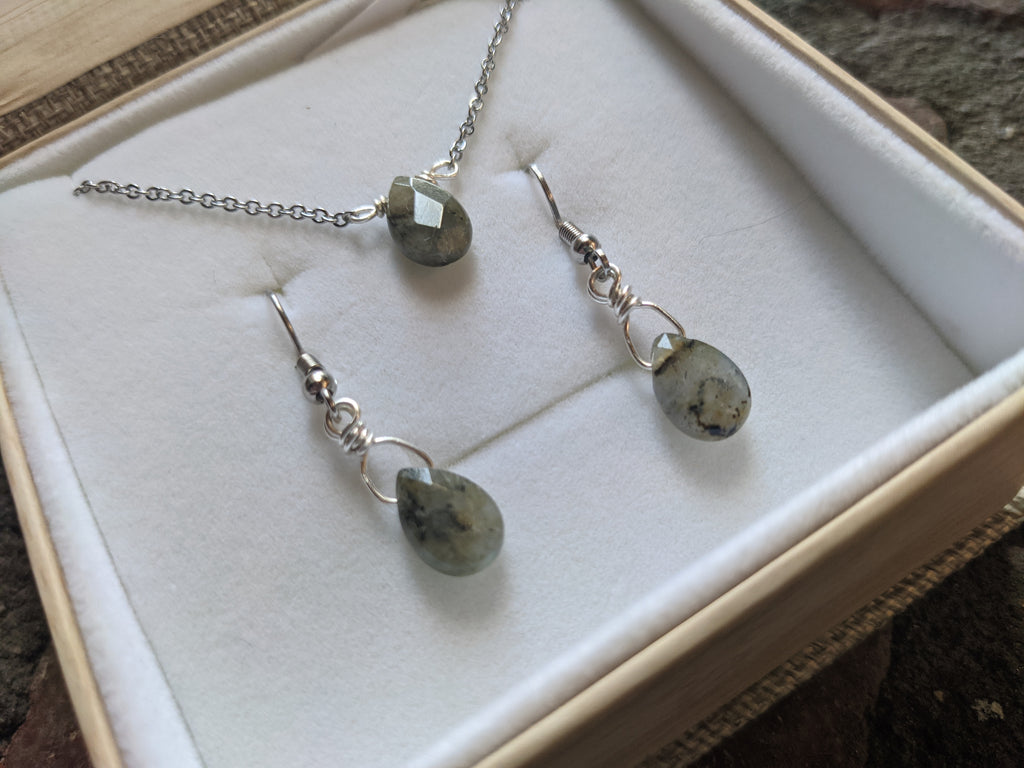 Labradorite Tear Drop Necklace and Earrings Gift Set