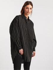 Oversized stribet bluse