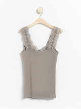 Rib tank top med blonder