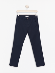 Regular fit mørkeblå chinos