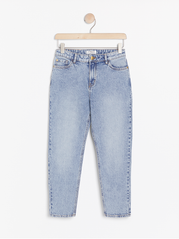 Narrow fit high waist jeans