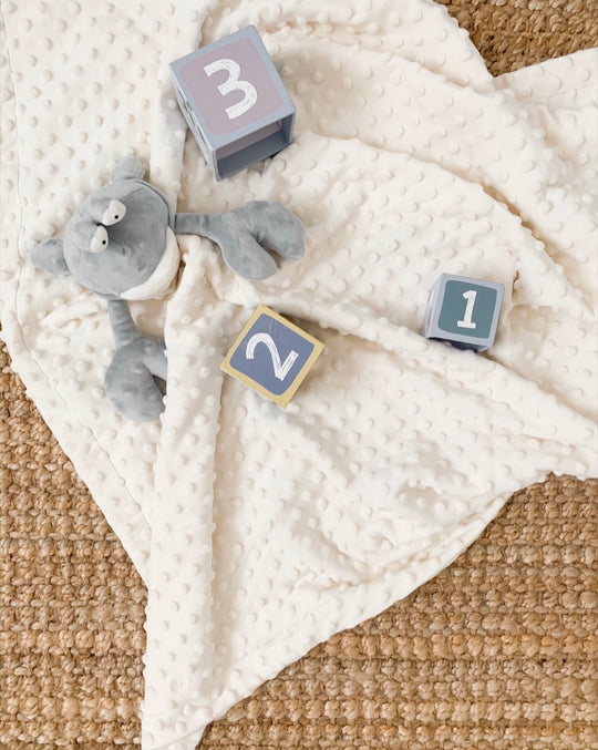 3 WAYS YOUR NEWBORN WILL BENEFIT FROM A BABY BLANKET