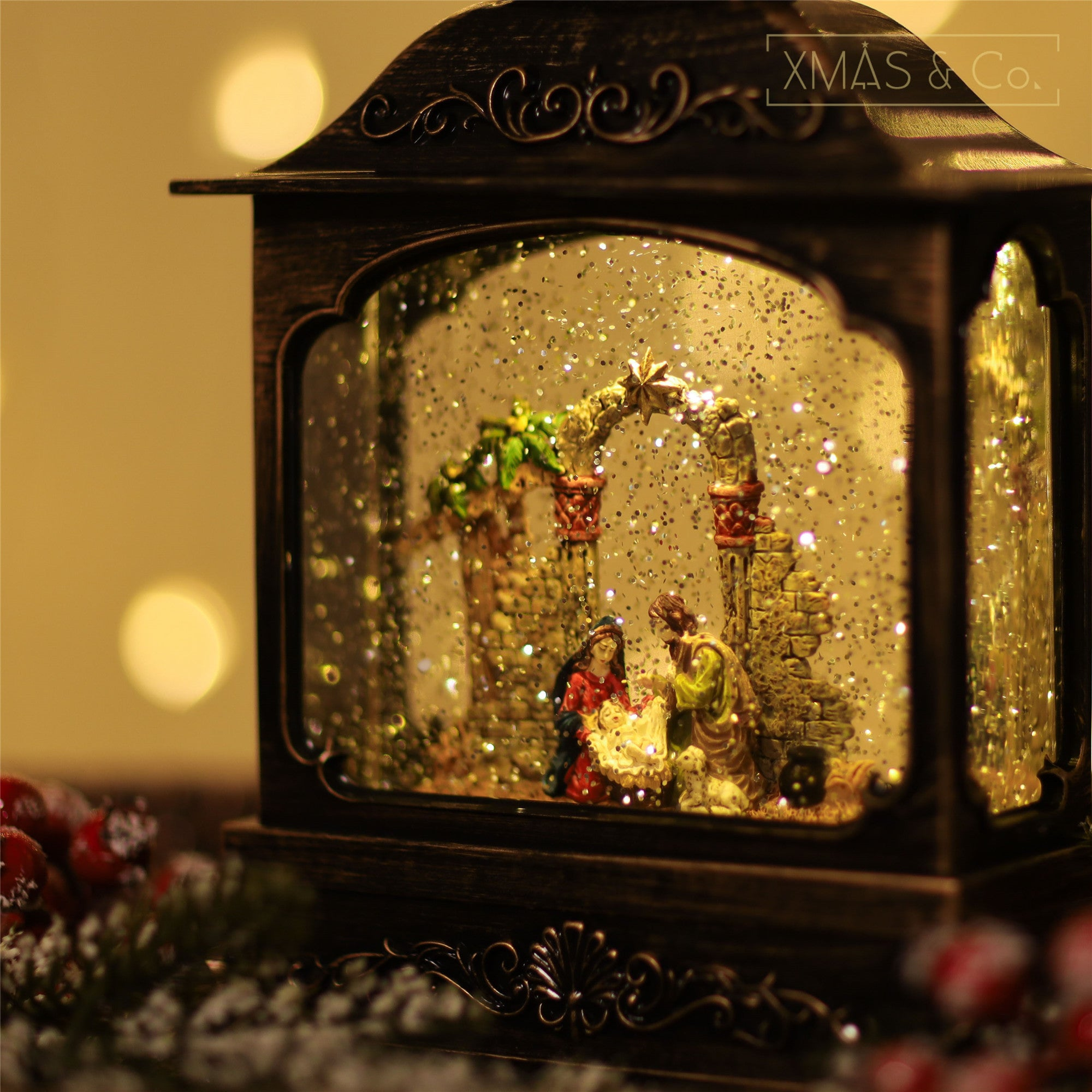 Snowing French Lantern / Nativity