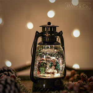 Open image in slideshow, Snowing Oil Lantern / Nativity