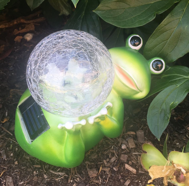 Solar Garden Yard Patio Decor Frog Glass Ball Statue Outdoor Landscape Path Color Change LED Light