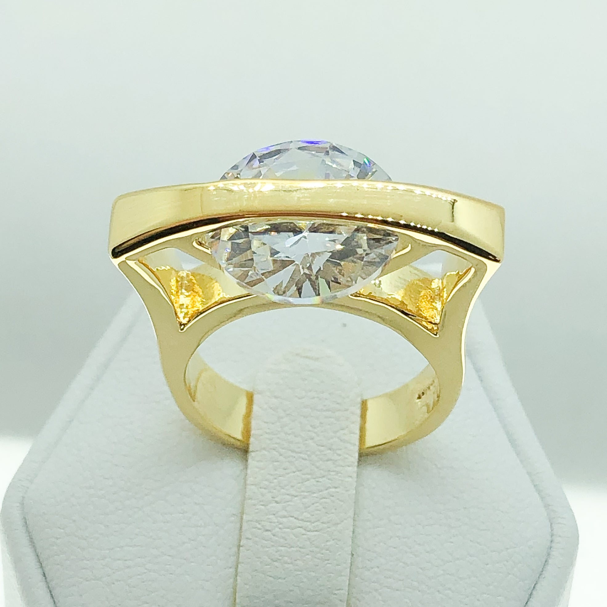 ID:R5303 Women 18K Yellow Gold GF Fashion Jewelry Exceptional Unique Solitaire Clear Stone Engagement Wedding Ring