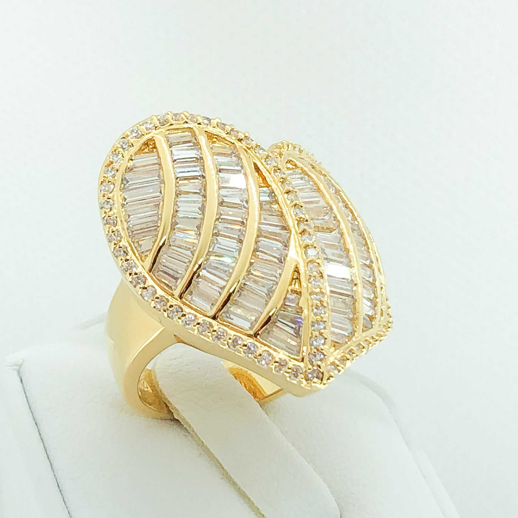 ID:R5055 Women 18K Yellow Gold GF Fashion Jewelry Stunning Unique Heart Design Luxury Eternity Cocktail Ring