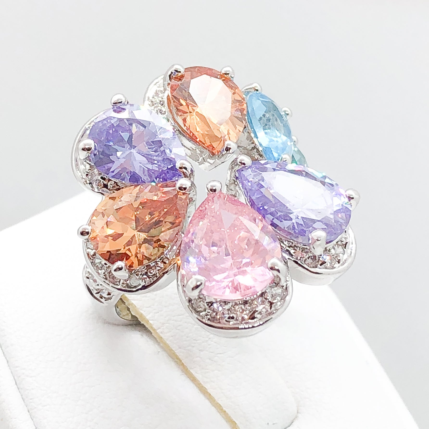 ID:R3855 Women 18K White Gold GF Fashion Jewelry Color Crystal Cocktail Ring With Unique Flower Design