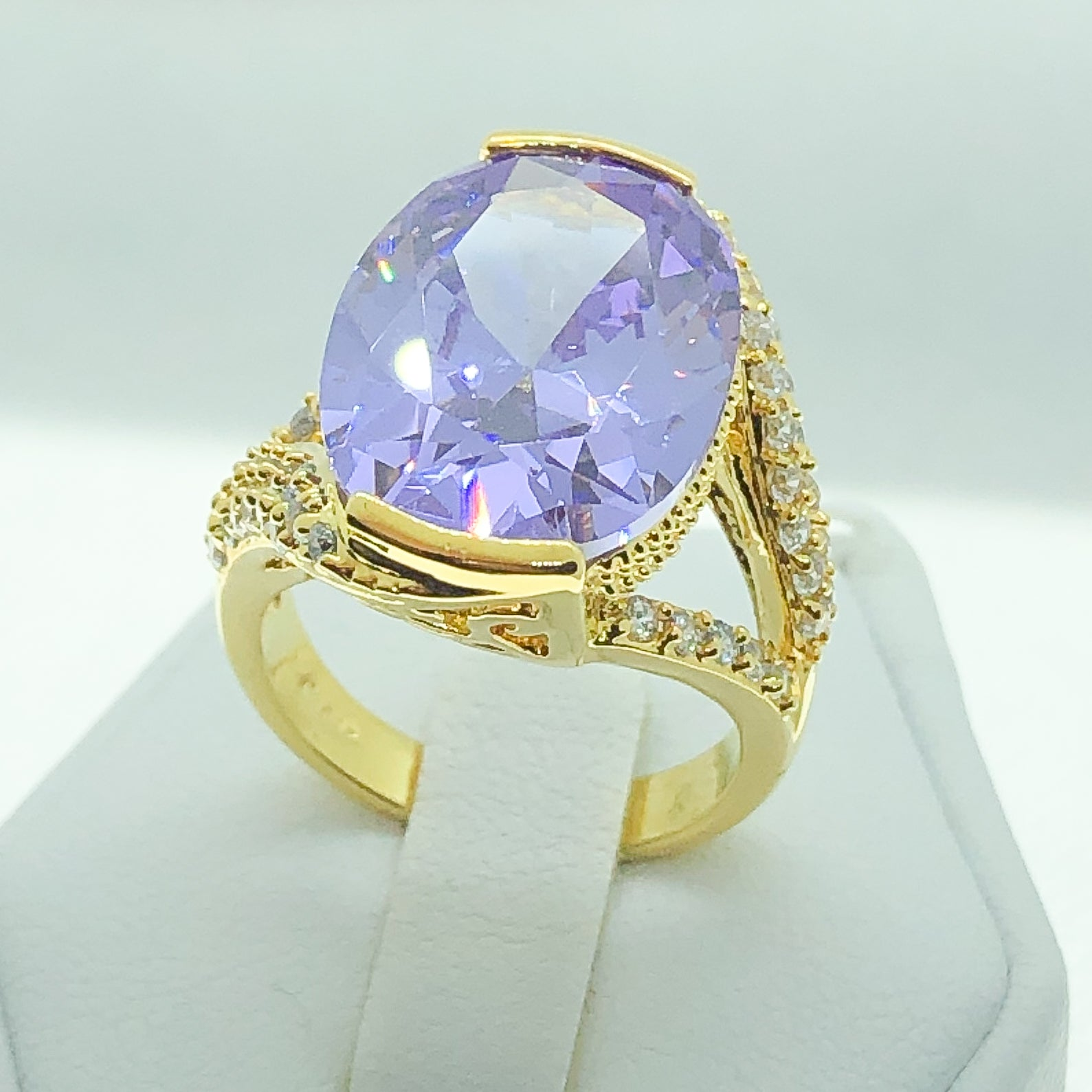 ID:R4601 Women 18K Yellow Gold GF Fashion Jewelry Splendid Big Amethyst Center Gemstone With Accent Cocktail Ring