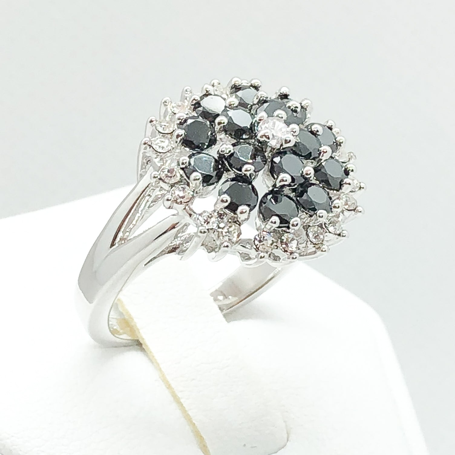 ID:R4717 Women 18K White Gold GF Fashion Jewelry Charming Black and Clear Gemstones Ring Comfortable Daily Wear