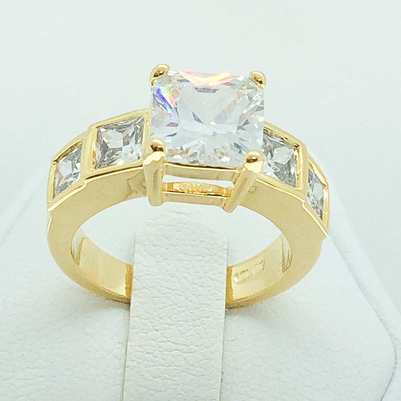 ID:R4070 Women 18K Yellow Gold GF Fashion Jewelry Engagement Wedding Sparkling Diamonique Ring Promise Gift