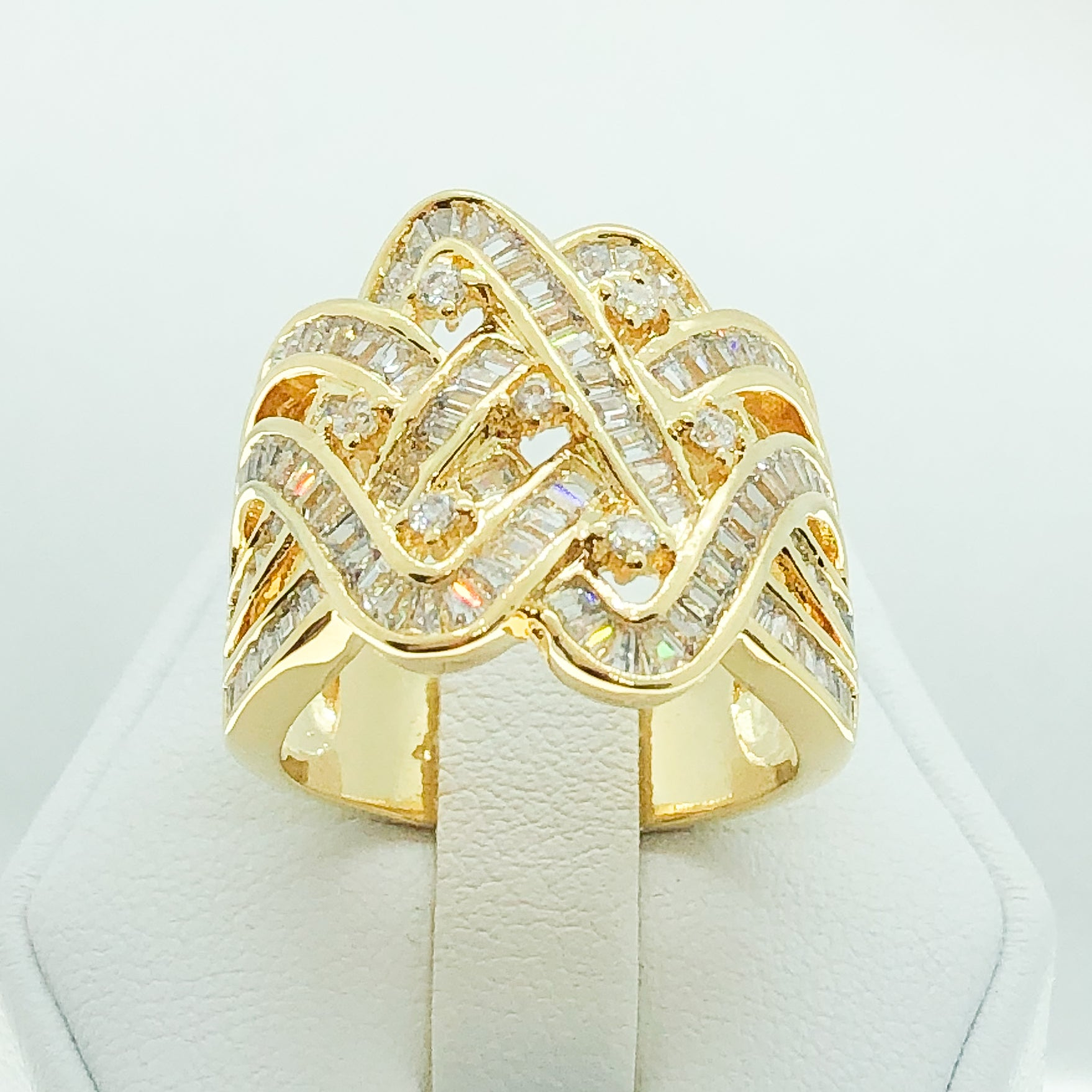 ID:R4158 Women 18K Yellow Gold GF Fashion Jewelry Unique Design Sparkly Crystal Cluster Promise Wedding Ring