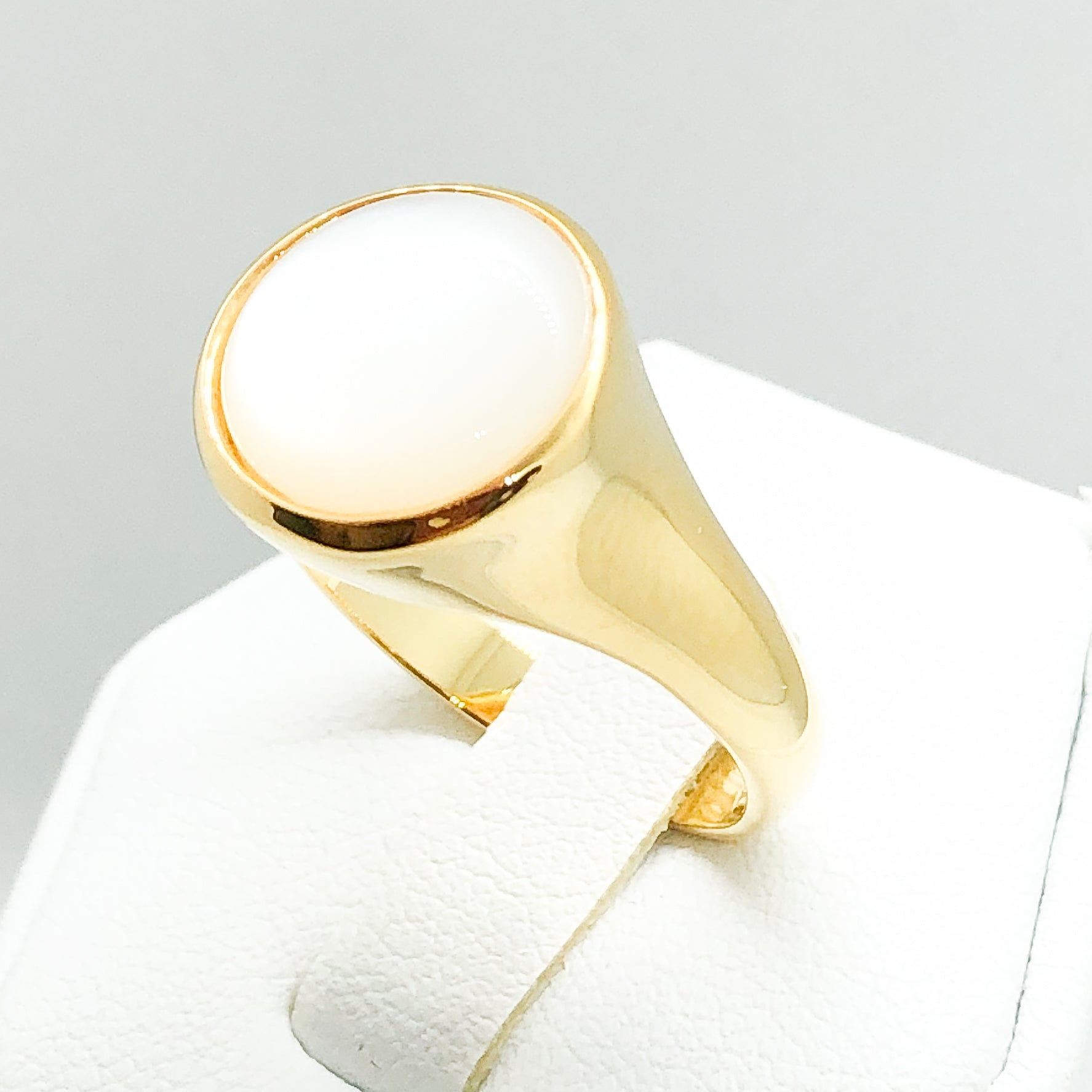 ID:R3739 Women Vintage Jewelry 18K Yellow Gold GF Phenomenal Solitaire Mother Pearl Ring Perfect Gift