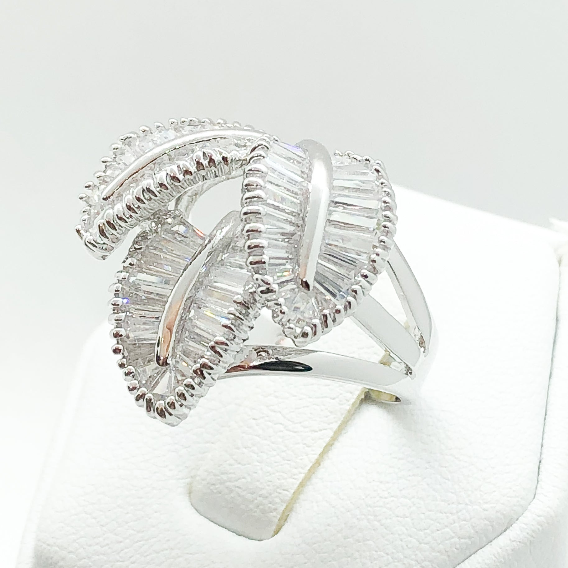 ID:R2447 Women Fashion Jewelry 18K White Gold GF Lovely Unique Leaves Design Diamonique Cluster Cocktail Ring