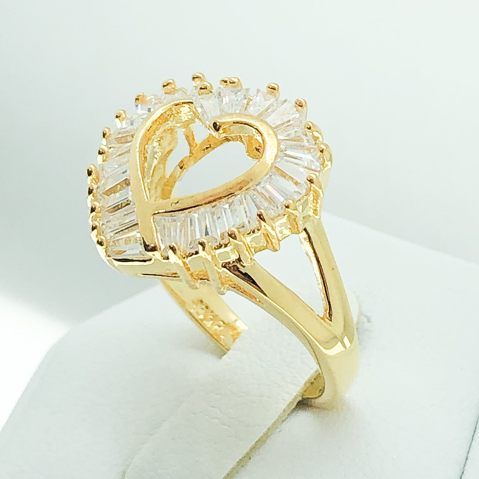 ID:R0872 Women Fashion Jewelry 18K Yellow Gold GF Unique Heart Design Anniversary Birthday Diamonique Ring
