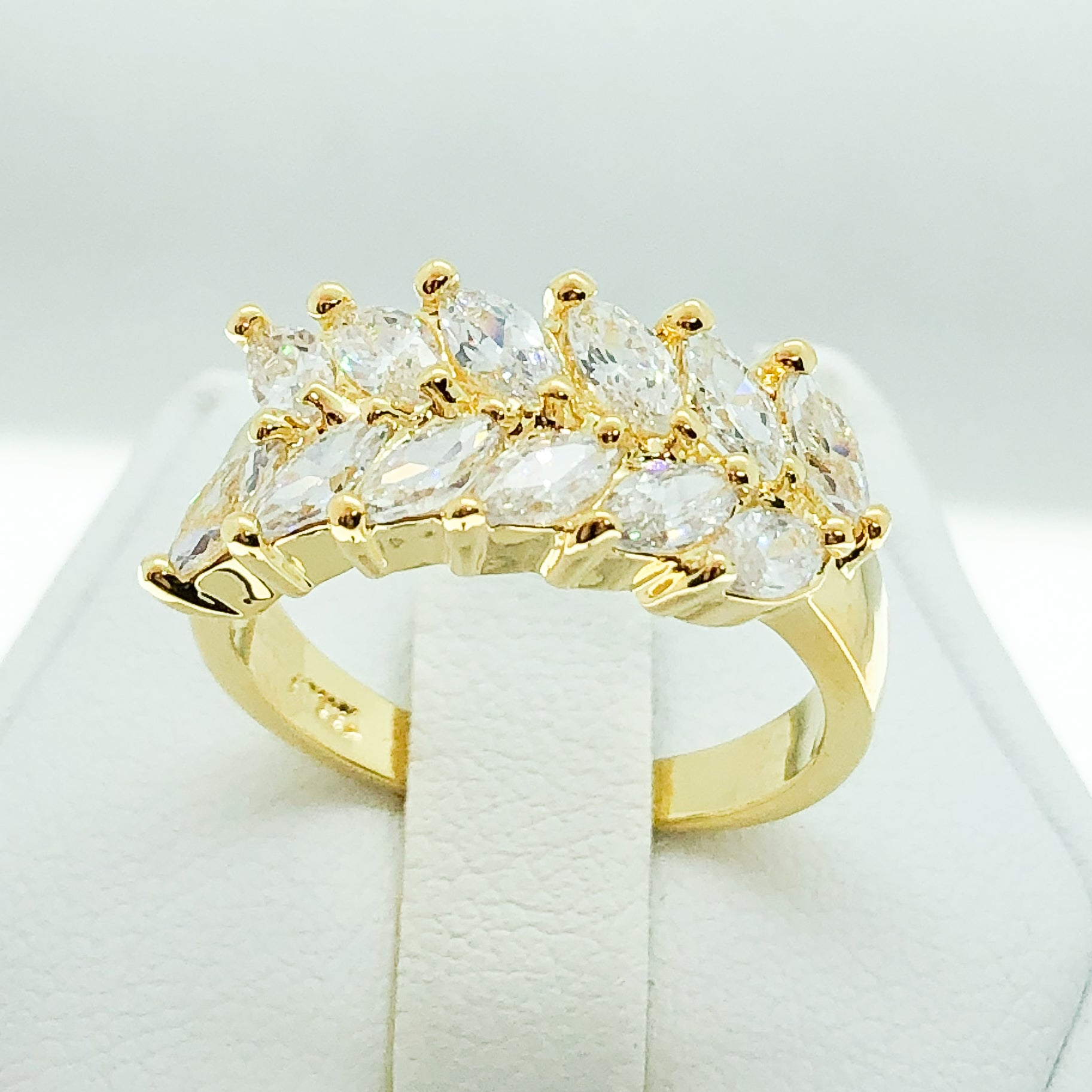 ID:R0317 Women Fashion Jewelry 18K Yellow Gold GF Sparkly Unique Design Cluster Cocktail Diamonique Ring Anniversary Promise Gift