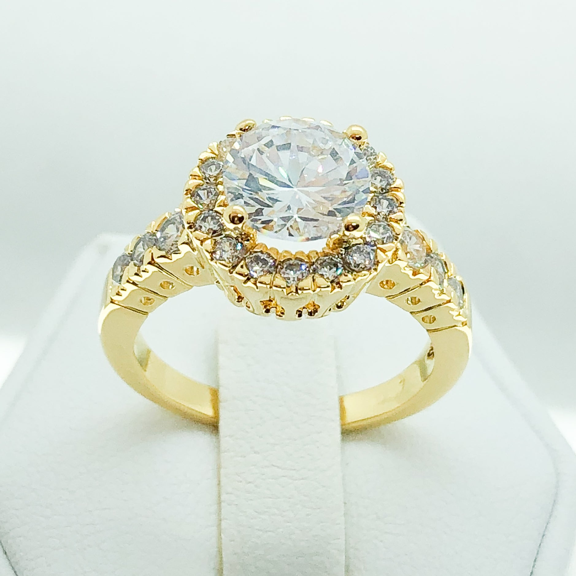 ID:R0181 Women Vintage Jewelry 18K Yellow Gold GF Outstanding Engagement Wedding Bridal Diamonique Solitaire Ring With Accent