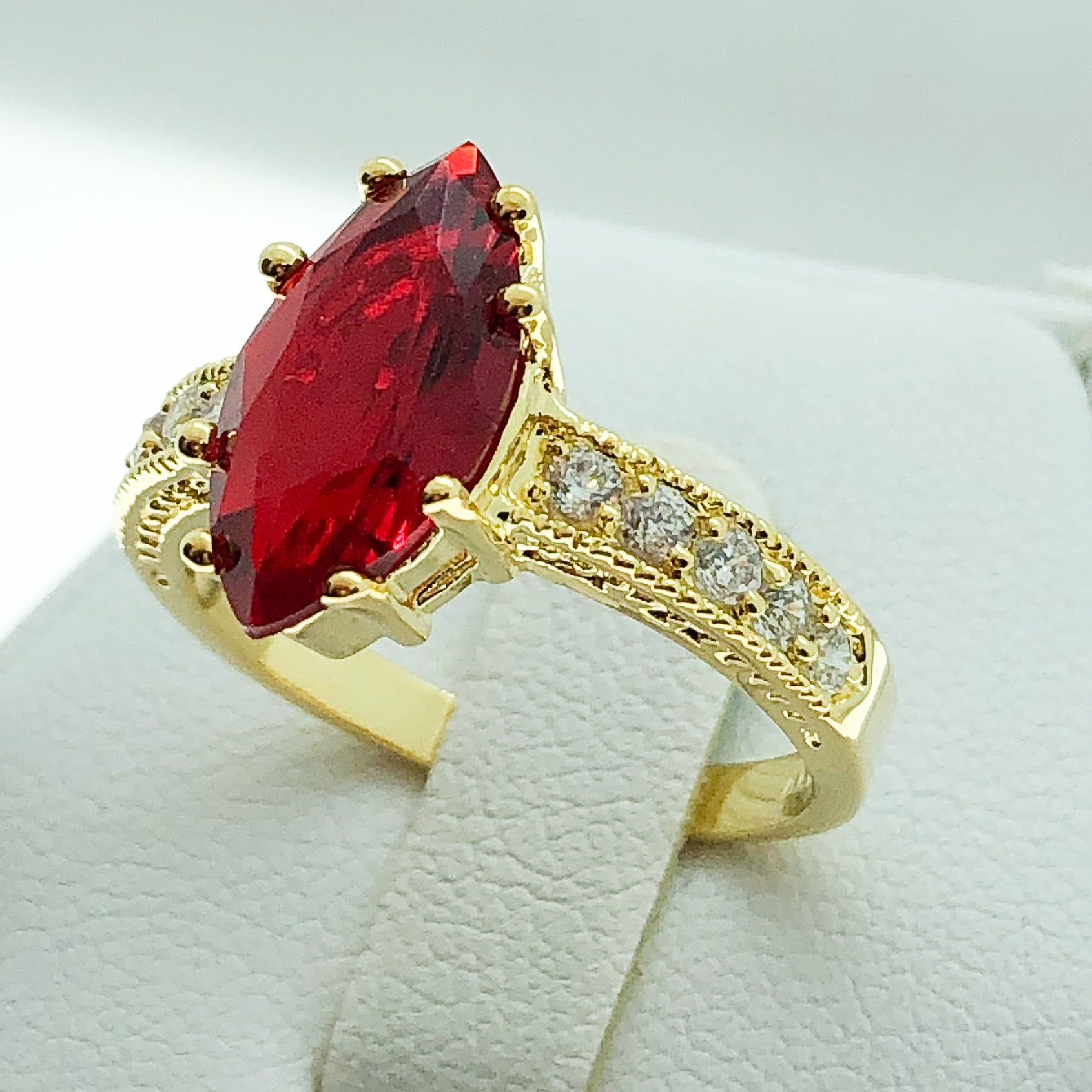 ID:R0344 Women Vintage Jewelry 18K Yellow Gold GF Solitaire Ruby Cocktail Ring With Clear Crystal Accent Birthday Gift