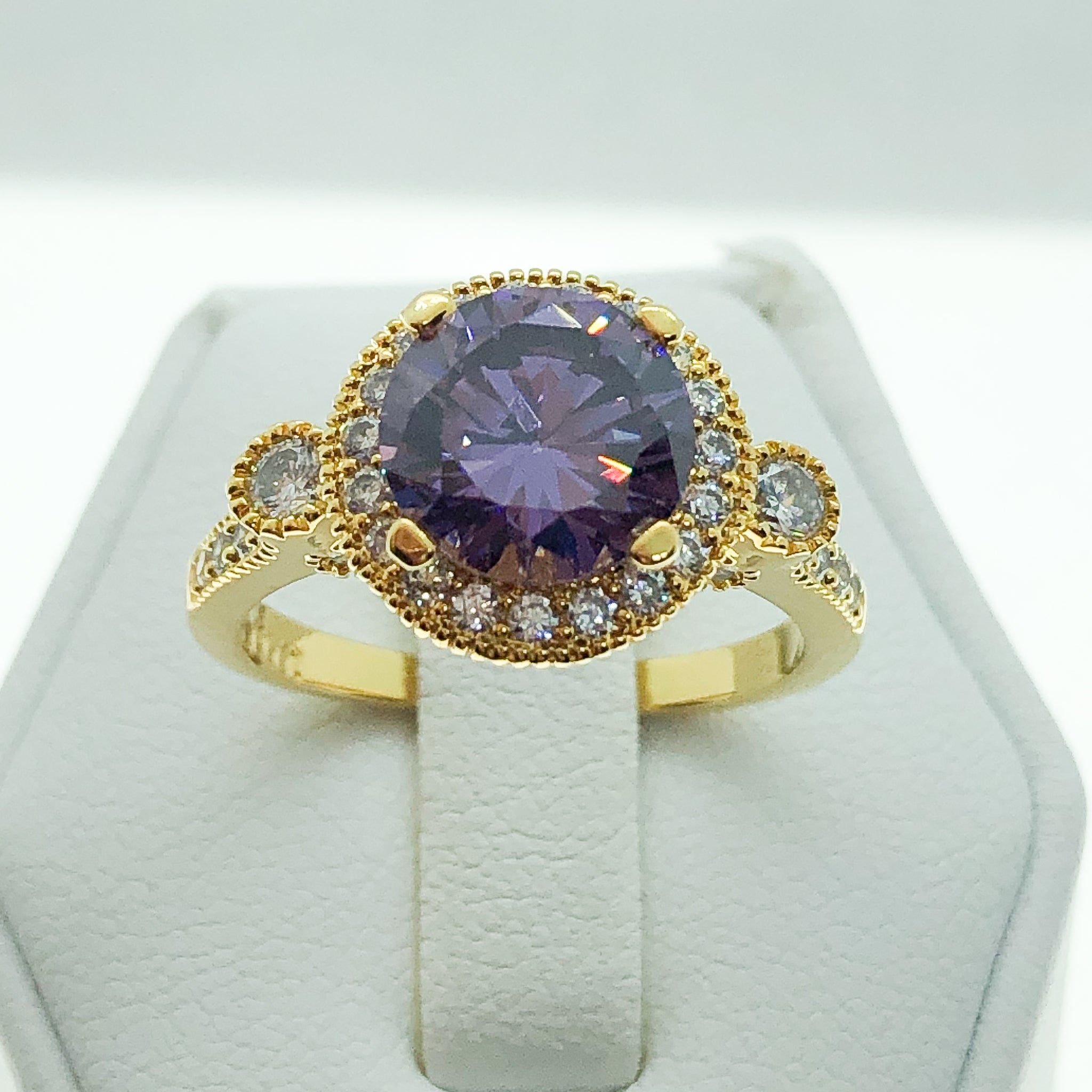 ID:R8008A Women Jewelry 18K Yellow Gold GF Glittering Amethyst Solitaire Ring Clear Accent